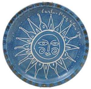 SOL/ 1990 - PRATO EM CERÂMICA VITRIFICADA DECORADO COM SOL - 31,5 diâmetro